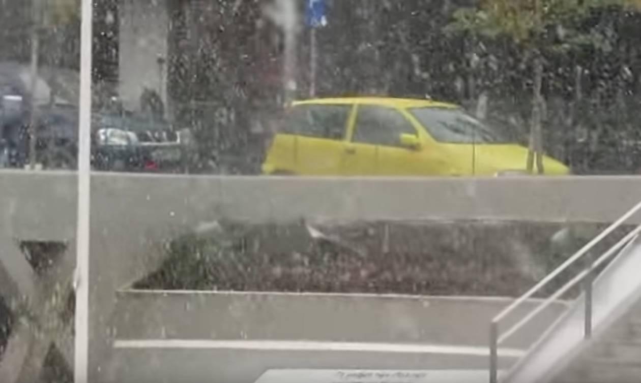 Κακοκαιρία: Έντονη χιονόπτωση στην πόλη της Κοζάνης (vid)