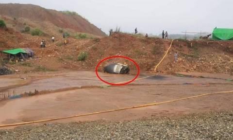 Ένα παράξενο αντικείμενο έπεσε από τον ουρανό και κανείς δεν ξέρει τι είναι (photos)