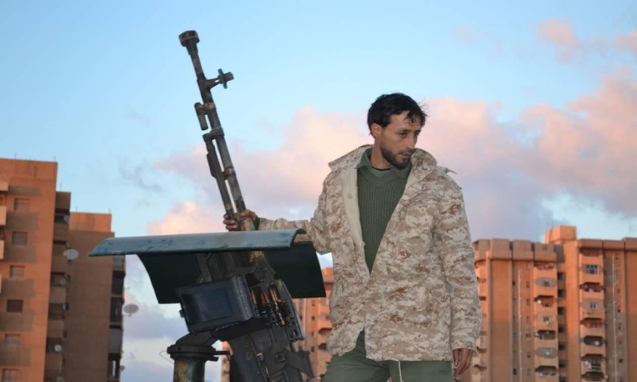Λιβύη: Νέες πολύνεκρες μάχες στη Βεγγάζη