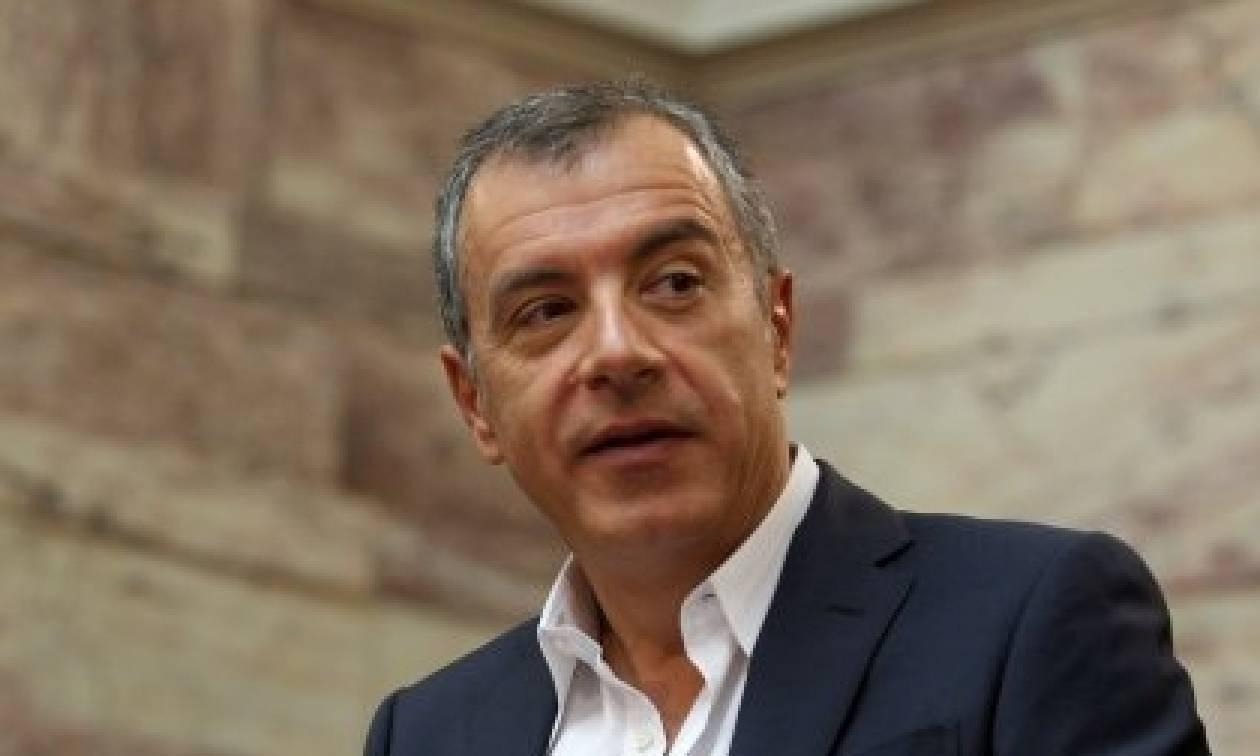 Θεοδωράκης - Σκιώδης κυβέρνηση ΝΔ: Ποτ πουρί των υπουργικών συμβουλίων Καραμανλή-Σαμαρά
