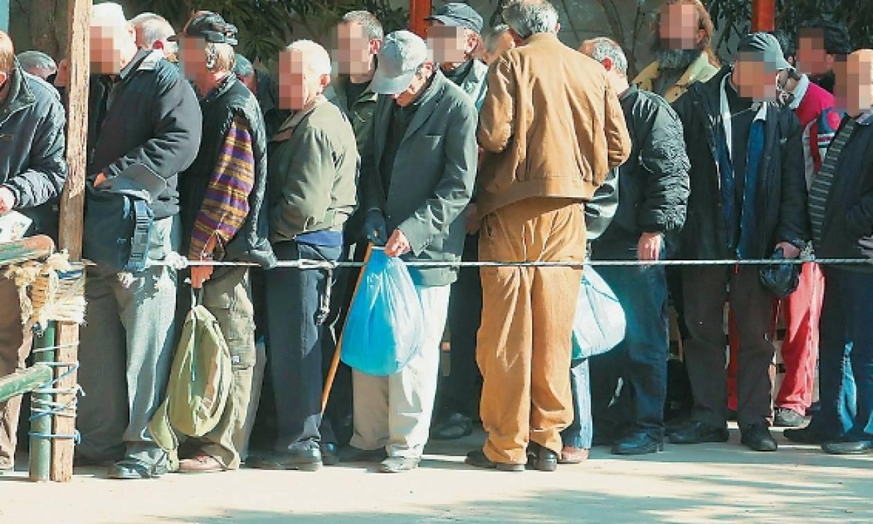 Η κοροϊδία του Αλέξη Τσίπρα δεν έχει τελειωμό! «Πουλάει» ανάπτυξη με... στρατιές νεόπτωχων!