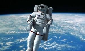 Η NASA υπόσχεται 30.000 δολάρια σε όποιον βρει μια λύση για τα «διαστημικά περιττώματα»