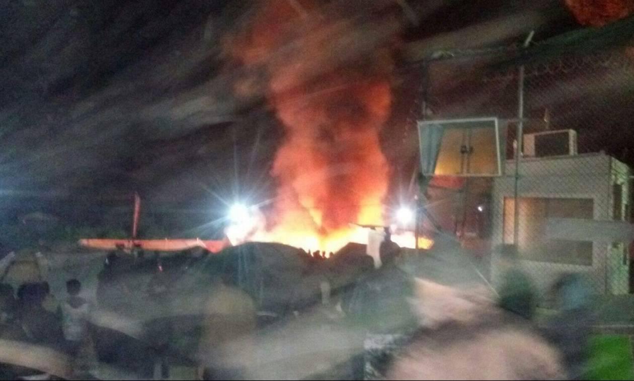 Τραγωδία στη Μυτιλήνη: Νεκροί και τραυματίες από έκρηξη στο hot spot της Μόριας (pics)