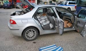 Συλλήψεις με «άρωμα γυναίκας» για ναρκωτικά στα Ιωάννινα: Κατασχέθηκαν 170 κιλά κάνναβης