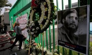 Μόνο ο Τσίπρας και ο Χίγκινς από την Ευρώπη στην Κούβα για τον Φιντέλ Κάστρο