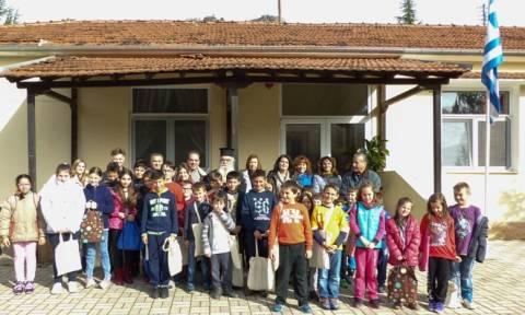 Η «Αποστολή» της Αρχιεπισκοπής στηρίζει τους ακρίτες της Καστοριάς (pics)