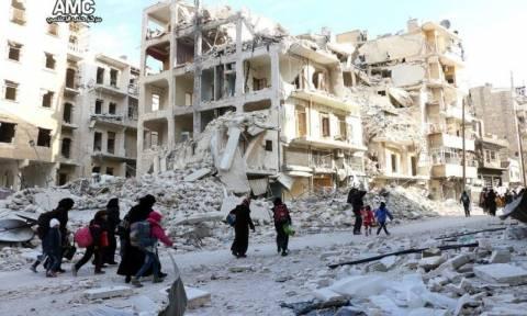Syria: tens of thousands flee Aleppo ahead of UN emergency talks