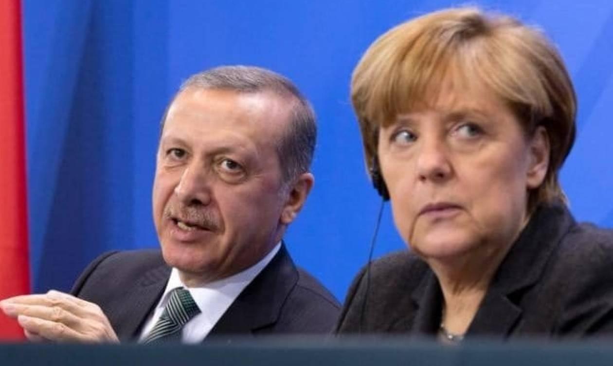 Ο Ερντογάν κουνάει το δάχτυλο στην Ευρώπη: Τηρήστε πρώτα τις υποσχέσεις σας – Τι είπε με Μέρκελ
