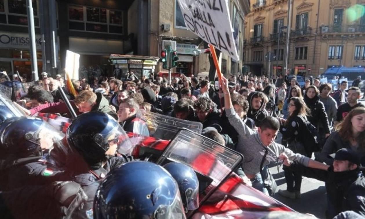 Ιταλία: Επεισόδια με φοιτητές που περίμεναν τον Ρέντσι στο Παλέρμο (videos+pics)