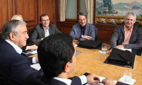 Ξεκινούν και πάλι οι συνομιλίες για το Κυπριακό