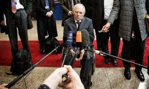 Eurogroup LIVE: «Βόμβα» Σόιμπλε – «Τορπίλισε» το Eurogroup για την Ελλάδα πριν ξεκινήσει (vid)