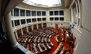 Βουλή: Ένταση και σκληρές εκφράσεις στη συζήτηση για τον προϋπολογισμό