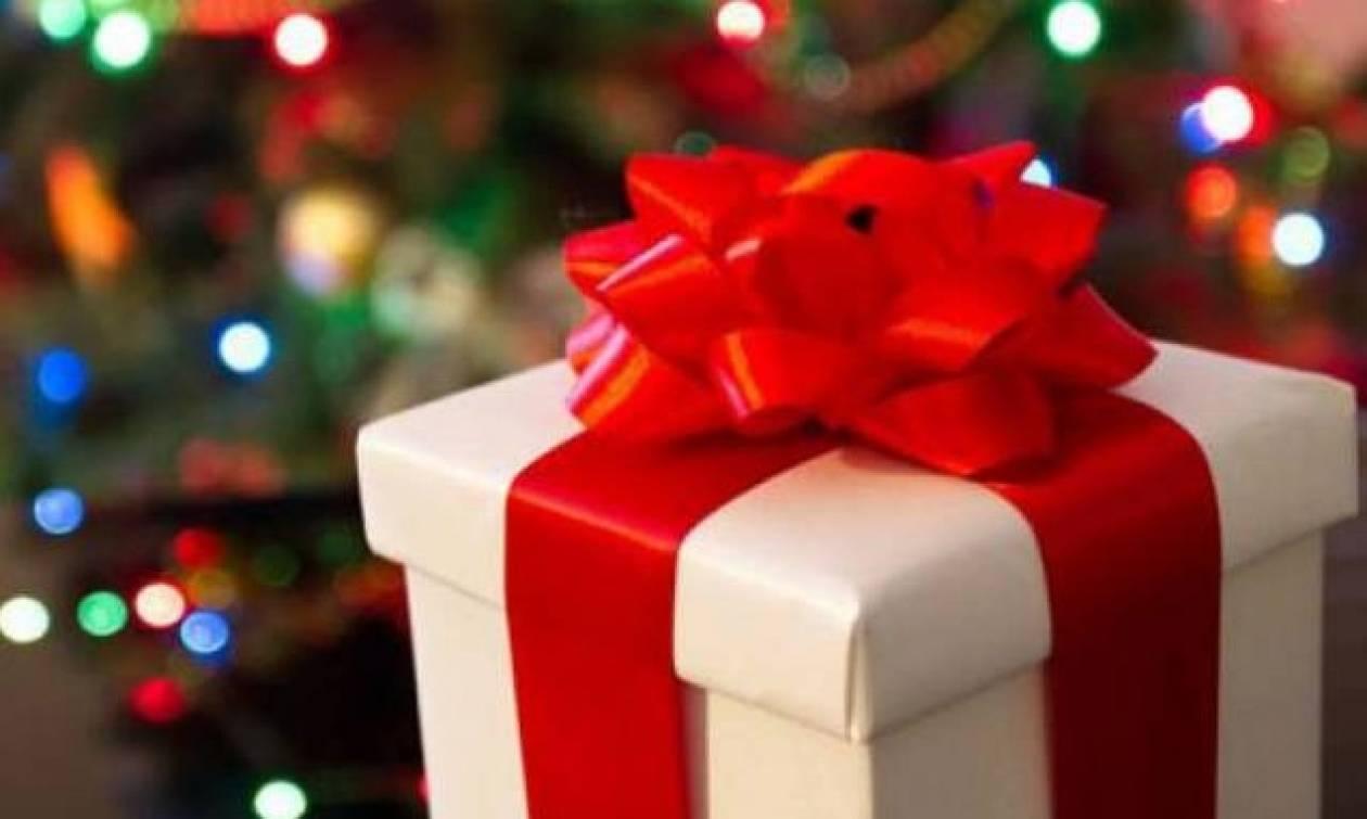 Δεν έχει ανοίξει το Χριστουγεννιάτικο δώρο της πρώην του για 47 χρόνια!
