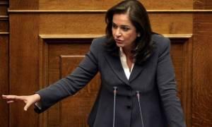 Συζήτηση προϋπολογισμού 2017 - Μπακογιάννη: Πανικόβλητος ο Τσίπρας πλειοδότησε στην παροχολογία