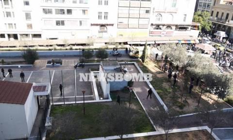 Πυροβολισμοί Ομόνοια: Έλληνας ο ένοπλος που τραυμάτισε αστυνομικό και αυτοκτόνησε