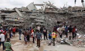 Φρικτό δυστύχημα στη Νιγηρία: 160 νεκροί από κατάρρευση εκκλησίας κατά τη διάρκεια λειτουργίας (Vid)