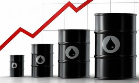 Στο υψηλότερο επίπεδο από τον Ιούλιο 2015 οι τιμές του πετρελαίου