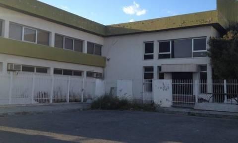 Συγκλονιστική μαρτυρία για εργοστάσιο στα Λατσιά: «Έχασα μάνα και παιδί τριών ετών από καρκίνο»
