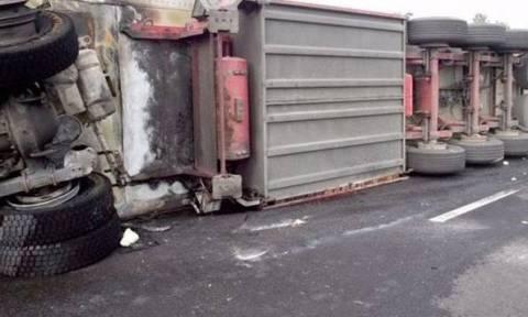 Σοβαρό τροχαίο με νταλίκα κοντά στο Μαρί - Σε κατάσταση σοκ ο οδηγός