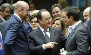 Ολάντ για ελληνικό ζήτημα: Υπάρχει ανάγκη να ελαφρυνθεί το χρέος της Ελλάδας