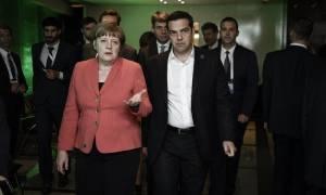 Μέρκελ: Θα συζητήσω με τον Τσίπρα για το επίδομα αλλά… δεν θα ανακατευτώ στις διαπραγματεύσεις