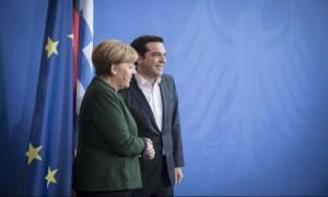 Συνάντηση Τσίπρα - Μέρκελ: Αλέξη, μην σκέφτεσαι εκλογές!