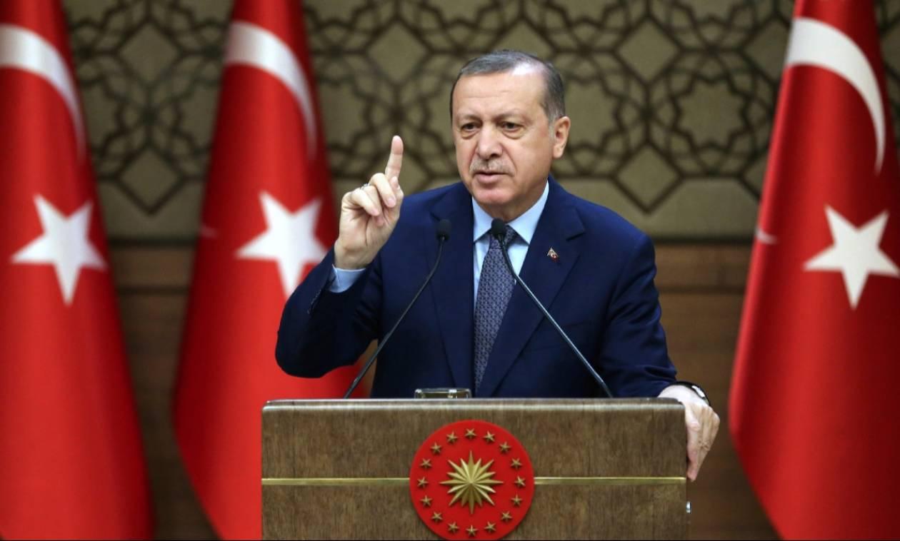 ΣOK: Ο Ερντογάν απαγόρευσε τα… Χριστούγεννα