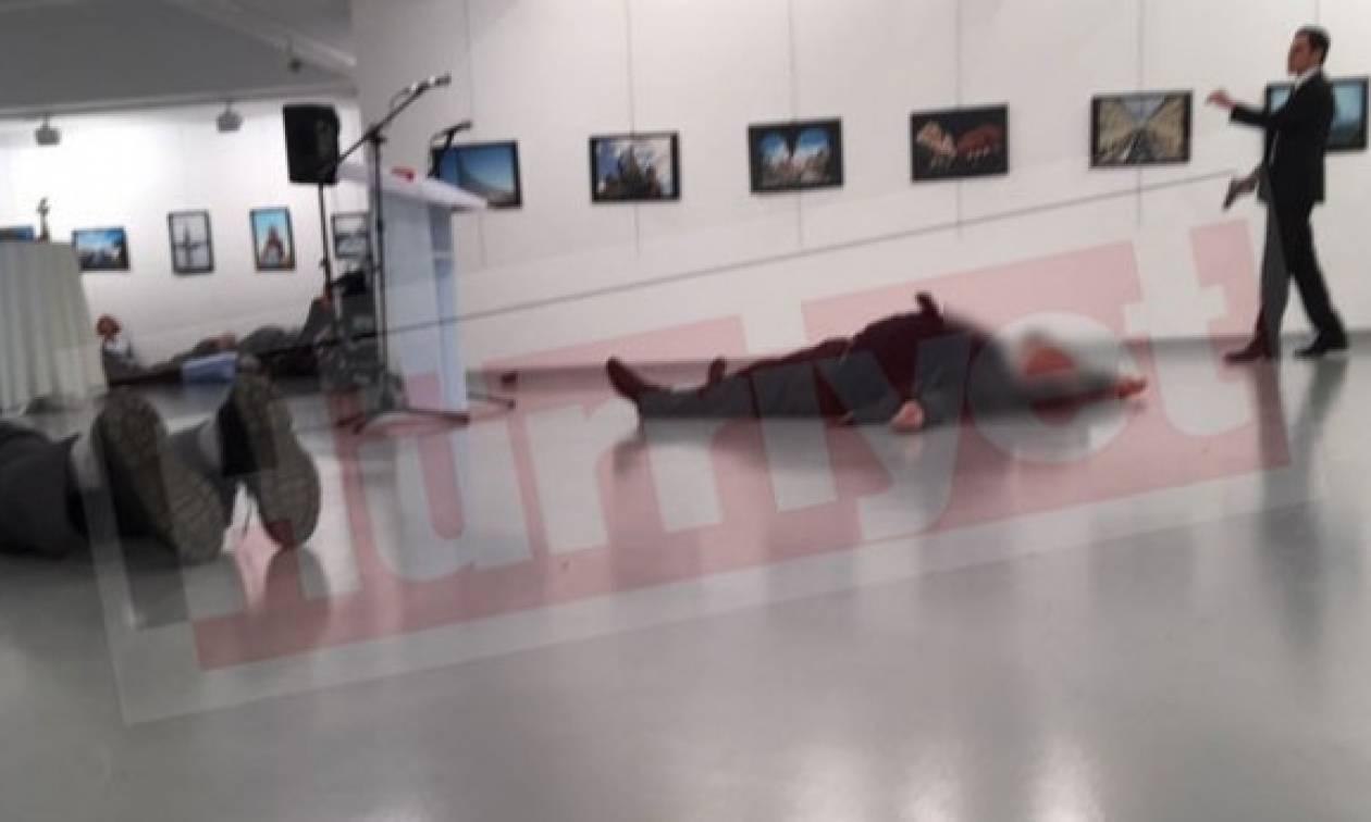 Παγκόσμιο σοκ: Τούρκος αστυνομικός σκότωσε εν ψυχρώ τον πρεσβευτή της Ρωσίας στην Άγκυρα (vids+pics)