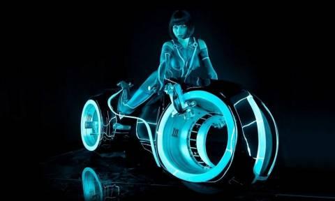 Μια hoover bike για να πας βόλτα την Olivia Wilde