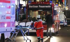 Τρομοκρατική επίθεση Βερολίνο: Βίντεο ΦΡΙΚΗΣ! Πτώματα και τραυματίες κείτονται στο δρόμο