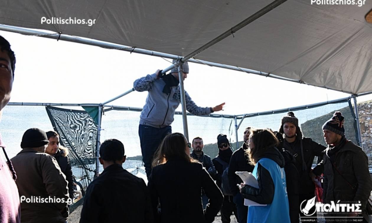 Παραλίγο τραγωδία στη Σούδα: Μετανάστης απείλησε να κρεμαστεί (pics)