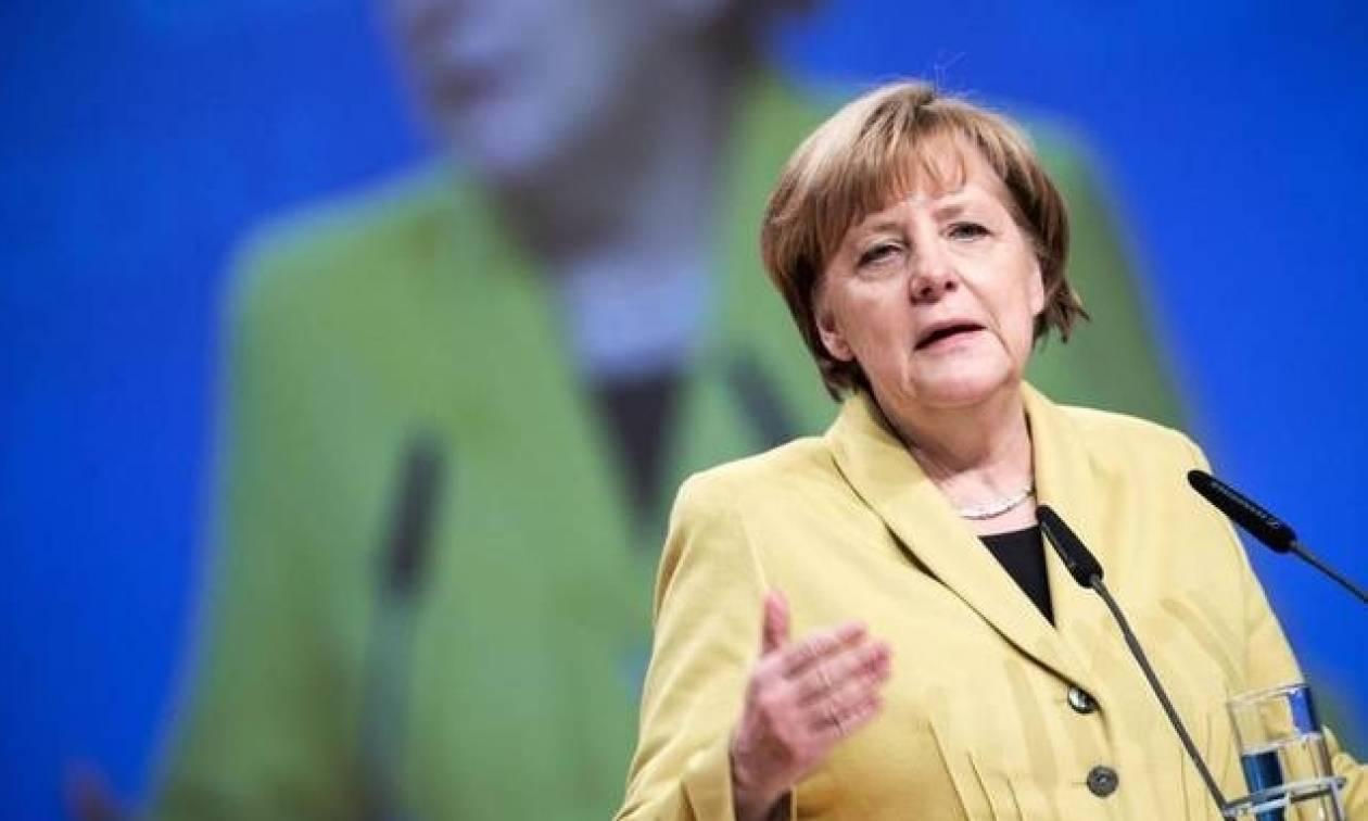 Τρομοκρατική επίθεση Βερολίνο - Μέρκελ: Προανήγγειλε αύξηση των απελάσεων