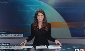 Παρουσιάστρια χωρίς εσώρουχο ξέχασε ότι καθόταν σε γυάλινο τραπέζι και άνοιξε τα πόδια της! (video)
