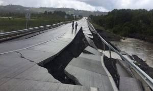 Συγκλονιστικά βίντεο: Η στιγμή που ο Eγκέλαδος χτυπάει τη Χιλή με 7,6 Ρίχτερ