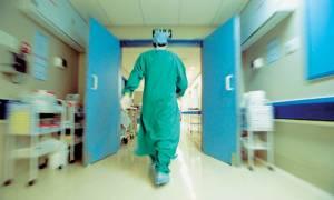 ΕΙΝΑΠ: Συνταξιοδοτήσεις και αποχωρήσεις απειλούν τα δημόσια νοσοκομεία