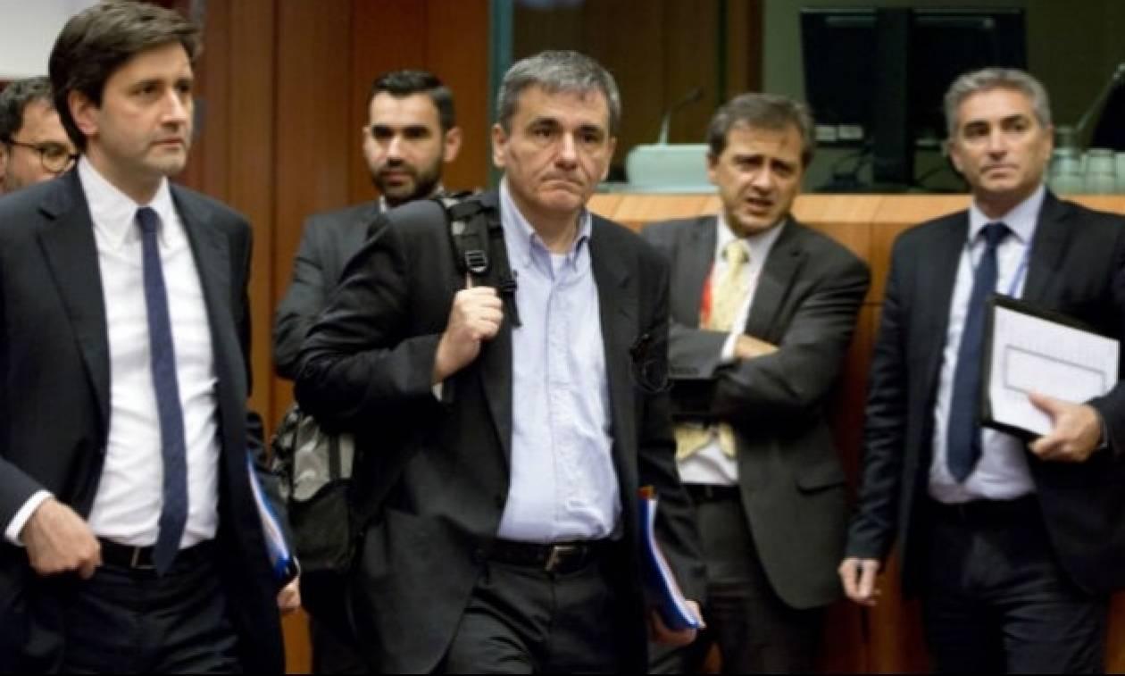 «Μπλόκο» στις διαπραγματεύσεις οι νέες απαιτήσεις των Θεσμών: Θέλουν κι άλλα μέτρα 150 εκατ. ευρώ