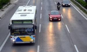 Σοβαρό τροχαίο στην Εθνική Οδό Αθηνών - Κορίνθου: Φορτηγό έπεσε πάνω σε λεωφορείο του ΟΑΣΑ