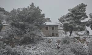 Χιόνια στην Αθήνα – ΠΡΟΣΟΧΗ! Σε αυτές τις περιοχές θα σκάσει σε λίγη ώρα η μετεωρολογική «βόμβα»