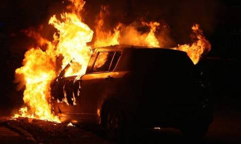 Έκαψαν αυτοκίνητο 29χρονου στην Πάφο- Αποκλεισμένη η σκηνή από την Αστυνομία
