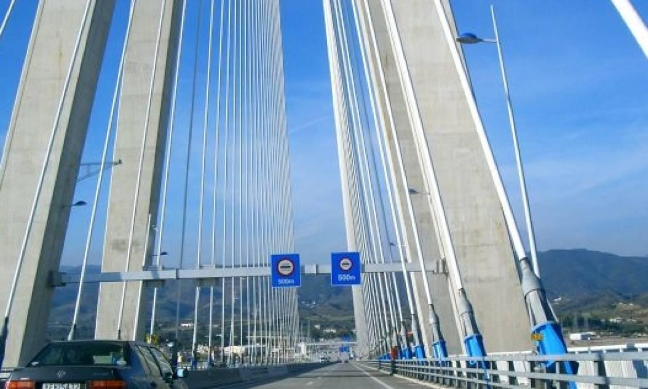 ΣΟΚ! Γέφυρα Ρίου - Αντιρρίου: Γυναίκα «βούτηξε» στο κενό!