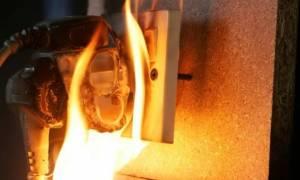 Παραλίγο τραγωδία για οικογένεια στην Κύπρο:«Η πρίζα πήρε φωτιά...τα παιδιά ήταν σπίτι» (pics)