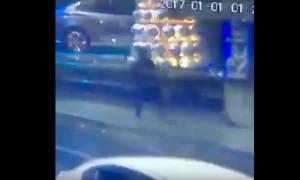 Ένοπλη επίθεση Κωνσταντινούπολη: Δείτε καρέ-καρέ τη στιγμή της επίθεσης (ΣΚΛΗΡΕΣ ΕΙΚΟΝΕΣ!)