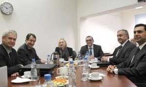 Όλα τα θέματα οριζόντια συζητούν Μαυρογιάννης-Ναμί την Τρίτη ενόψει Γενεύης