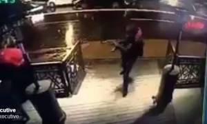 Επίθεση Κωνσταντινούπολη - Νέο βίντεο σοκ: Ο μακελάρης με το καλάσνικοφ στα χέρια θερίζει ζωές