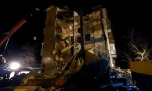 Τραγωδία στο Καζακστάν: Κατέρρευσε πολυκατοικία (Pics)