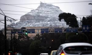 Καιρός - Θεοφάνεια: Θα «το στρώσει» σε Σύνταγμα και Λευκό Πύργο - Καταφτάνει νέος σφοδρός χιονιάς