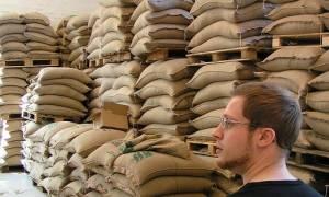 Φόρος στον καφέ: Ποιοι απειλούνται με λουκέτο