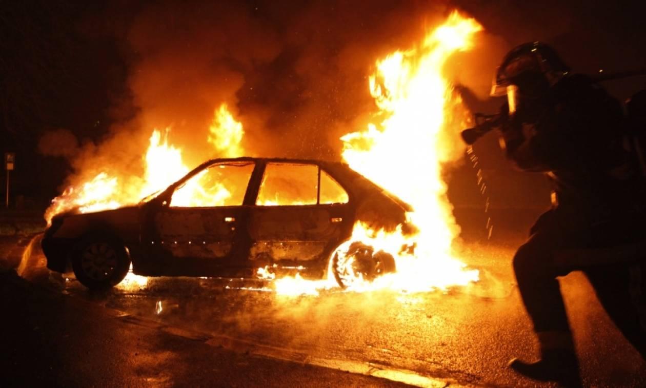 Γαλλία: Μυστήριο με 945 αυτοκίνητα που πυρπολήθηκαν την παραμονή της Πρωτοχρονιάς (Vid)