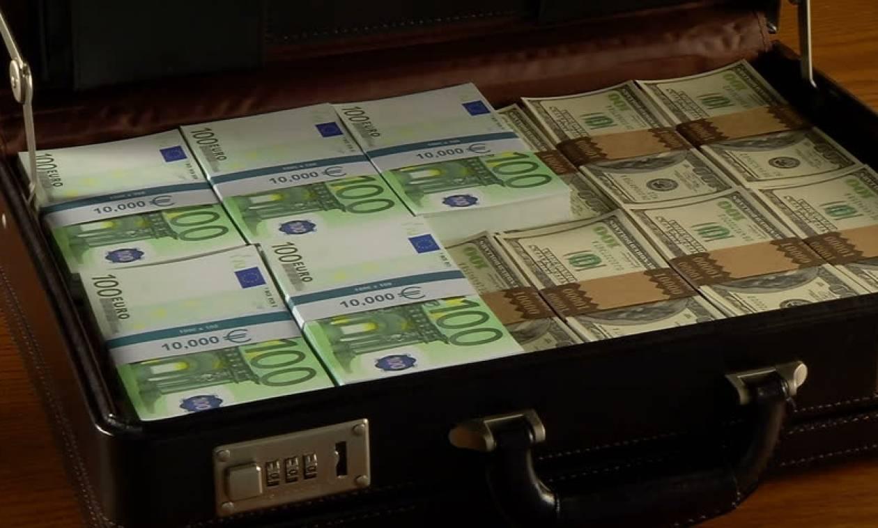 «Μαύρο» πολιτικό χρήμα: Ανώνυμες δωρεές τέλος προς τα κόμματα