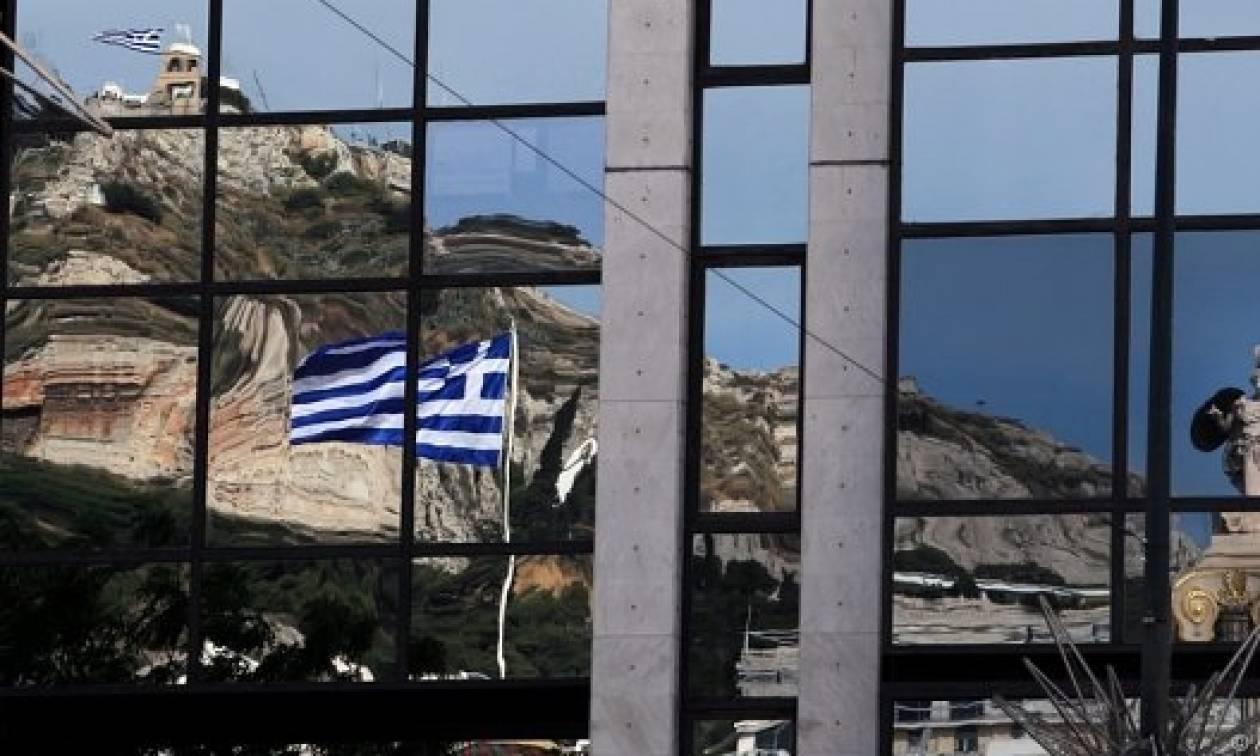 Το ξήλωμα του ελληνικού νοικοκυριού - Αυτές είναι οι αλλαγές που σαρώνουν τα εισοδήματα